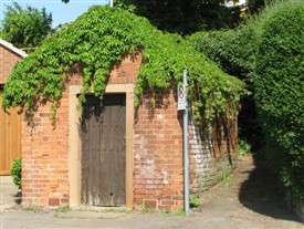Photo:The old lock-up at Farnsfield